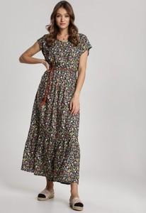 Sukienka Renee z dekoltem w kształcie litery v w stylu boho rozkloszowana