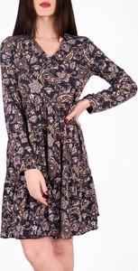 Sukienka Vertus z dekoltem w kształcie litery v w stylu casual mini