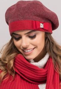 Czerwona czapka Kamea