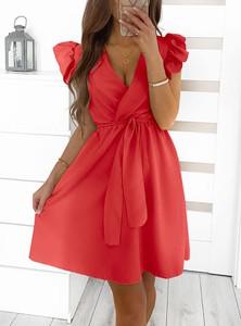Sukienka Pakuten z dekoltem w kształcie litery v mini