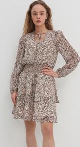 Sukienka House z okrągłym dekoltem mini z długim rękawem