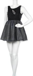 Czarna sukienka Model Behaviour mini z okrągłym dekoltem rozkloszowana