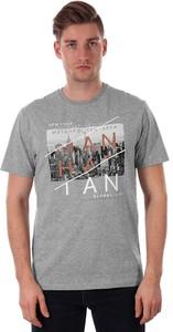 T-shirt Just yuppi w młodzieżowym stylu