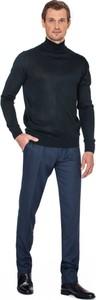 Czarny sweter producent niezdefiniowany