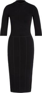 Czarna sukienka Emporio Armani w stylu casual z długim rękawem midi