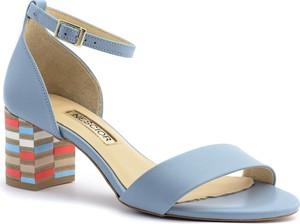 Niebieskie sandały Neścior na niskim obcasie