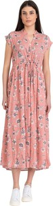 Różowa sukienka Hod Paris w stylu casual z jedwabiu z krótkim rękawem