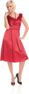 Czerwona sukienka Fokus trapezowa bez rękawów z okrągłym dekoltem