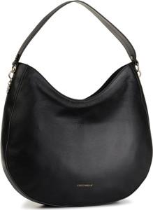 Czarna torebka Coccinelle na ramię w stylu casual