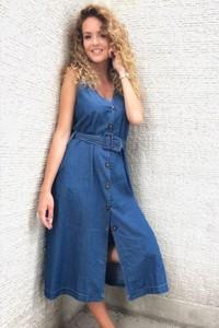 Niebieska sukienka Ivet.pl w stylu casual midi