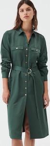 Sukienka Sinsay z kołnierzykiem z długim rękawem midi