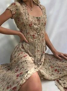 Sukienka Cikelly z dekoltem w kształcie litery v midi