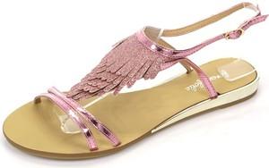 Różowe sandały Royalfashion.pl z zamszu z klamrami w stylu casual