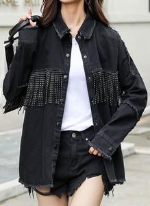 Czarna kurtka Arilook w stylu boho