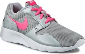 Miętowe buty sportowe dziecięce Nike ze skóry sznurowane