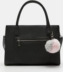 Czarna torebka Sinsay do ręki