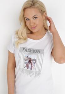 T-shirt born2be z okrągłym dekoltem z krótkim rękawem