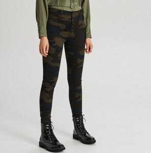 Zielone spodnie Cropp w stylu casual