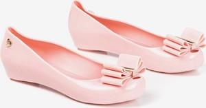 Różowe baleriny Royalfashion.pl z płaską podeszwą