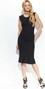 Czarna sukienka Makadamia z dekoltem w kształcie litery v