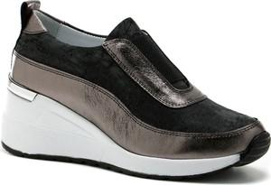 Czarne buty sportowe Venezia na koturnie
