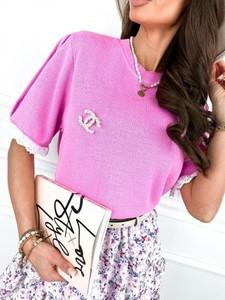 Różowa bluzka Infinityfashion.pl z krótkim rękawem z bawełny z okrągłym dekoltem