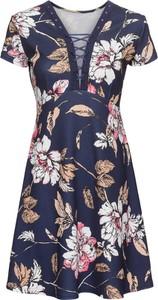 Granatowa sukienka bonprix BODYFLIRT boutique ze sznurowanym dekoltem