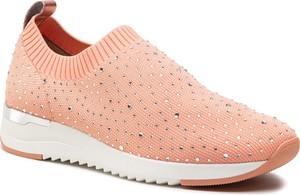 Różowe buty sportowe Caprice