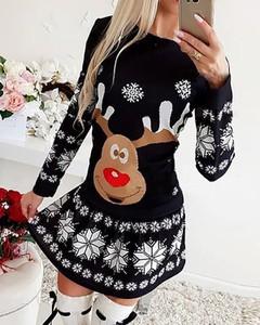 Sukienka Kendallme w stylu casual mini w bożonarodzeniowy wzór