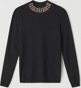 Czarny sweter Mohito w stylu glamour