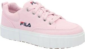 Różowe buty sportowe Fila