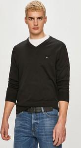 Czarny sweter Tommy Hilfiger w stylu casual z dzianiny