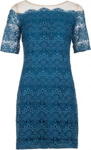 Sukienka VISSAVI z krótkim rękawem z okrągłym dekoltem