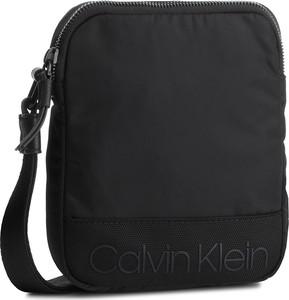 Czarna saszetka Calvin Klein