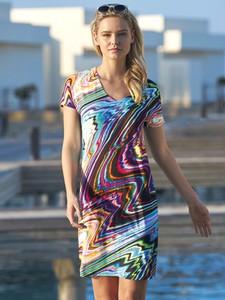 Sukienka Sunflair w stylu casual z dekoltem w kształcie litery v