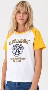 T-shirt House z okrągłym dekoltem z nadrukiem z krótkim rękawem
