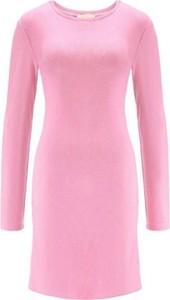 Różowa sukienka Marlu mini z żakardu