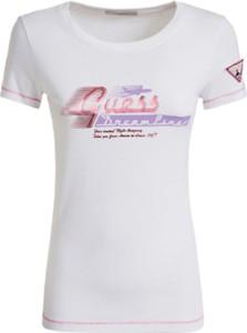 T-shirt Guess z bawełny z okrągłym dekoltem w młodzieżowym stylu