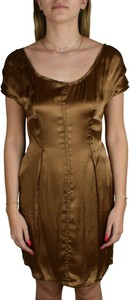 Sukienka Prada z okrągłym dekoltem z krótkim rękawem