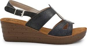 Sandały Inblu w stylu casual z klamrami