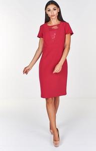 Czerwona sukienka Fokus midi z krótkim rękawem z dekoltem w karo