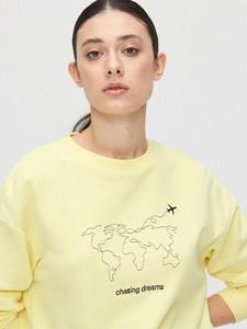 Żółta bluza Cropp w młodzieżowym stylu krótka