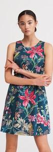 Sukienka Reserved z okrągłym dekoltem w stylu casual