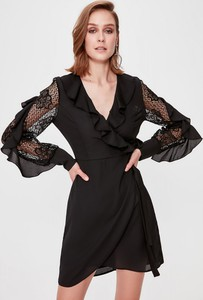 Czarna sukienka Trendyol mini z długim rękawem