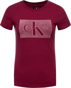 Czerwony t-shirt Calvin Klein z okrągłym dekoltem