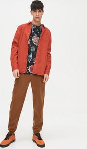 Czerwony t-shirt Cropp z nadrukiem z krótkim rękawem