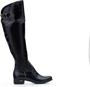 Czarne kozaki Zapato w militarnym stylu