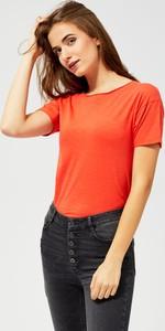 Czerwona bluzka Moodo z krótkim rękawem w stylu casual