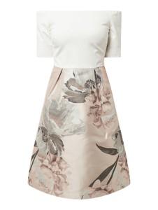 Sukienka Ted Baker z odkrytymi ramionami hiszpanka