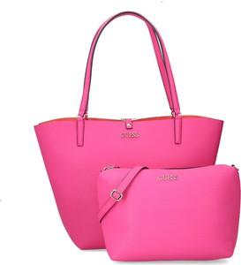 Różowa torebka Guess duża matowa